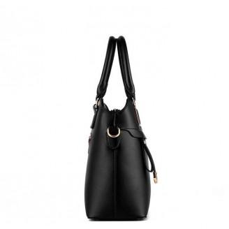 Черна изчистена дамска чанта