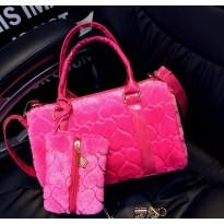 Розова велурена дамска чанта