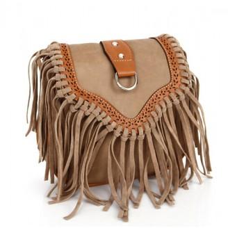 Бежова велурена дамска чанта с ресни