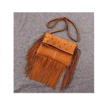 Велурена кафява дамска чанта с ресни