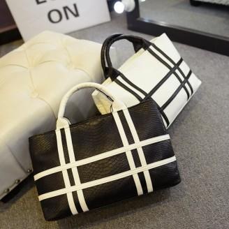 Модерна черно-бяла дамска чанта