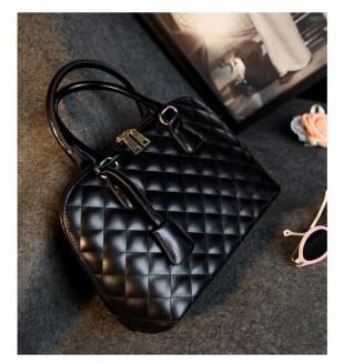 Модна черна кожена чанта тоте