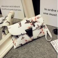 Дамска стилна чанта с пеперуден принт