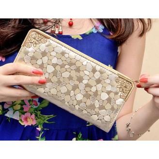 Стилно дамско портмоне в златисто или черно