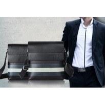 Мъжка чанта с бяла хоризонтална лента